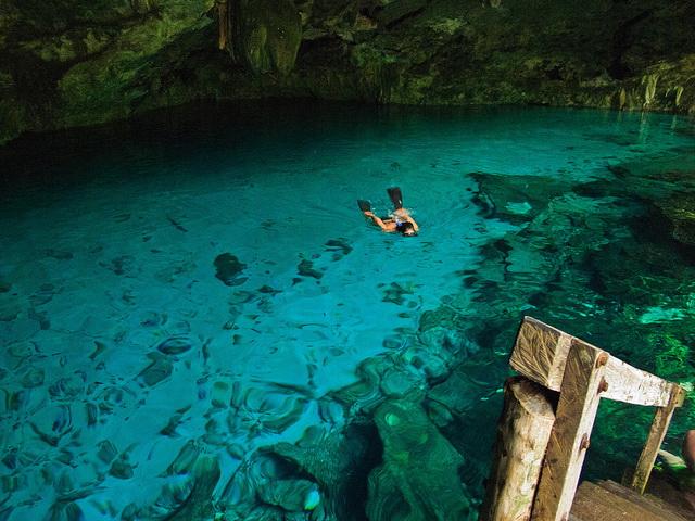 Cenote Dos Ojos swim